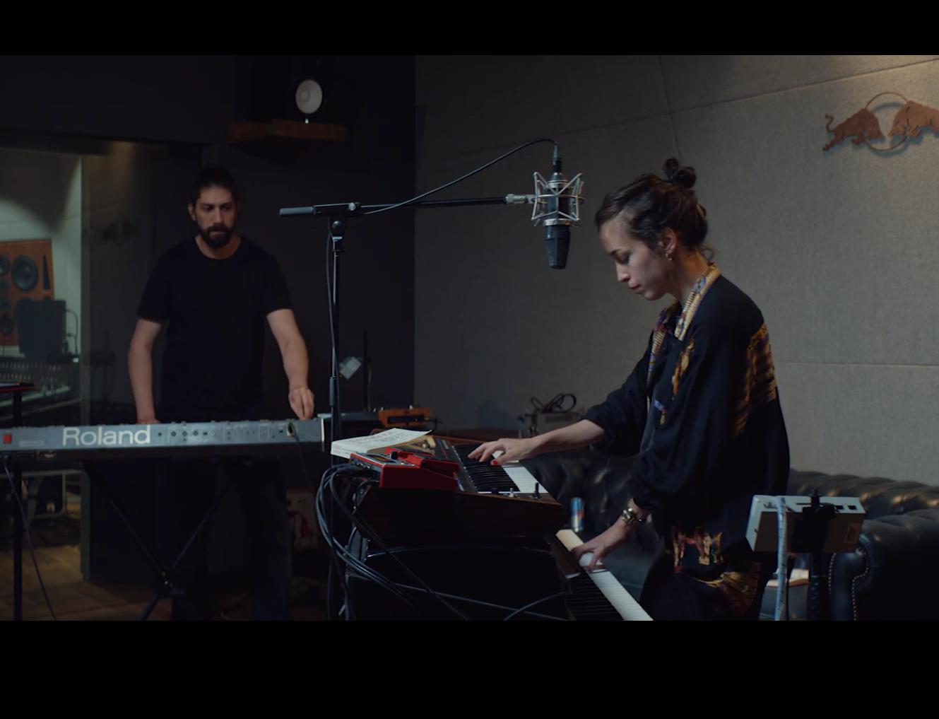 Loradeniz feat. Mert Gençer | Jello